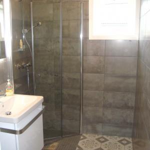 Ferdig dusjhjørne på bad.