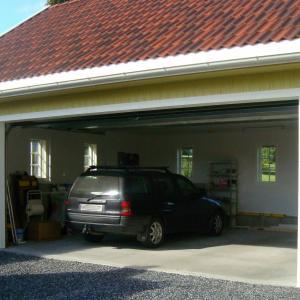Ferdig garasje front.