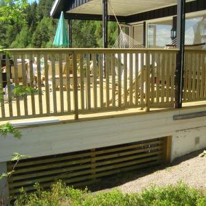 Nytt rekkverk på terrassen.