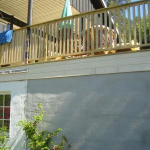 Ny terrasse sett fra nedsiden.