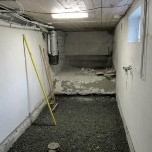 Rommet var tidligere råkjeller/vaskerom.